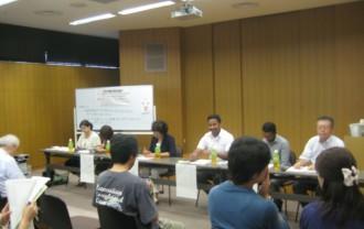 分科会「多文化共生と人権」の 会場。約50名が集まりました。