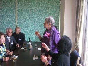まずはコリーンさんから 「Congratulation 25th anniversary of Sanda international association」 と述べて乾杯。