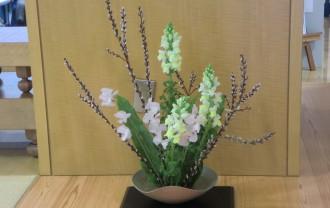 作品例です。 当日はどんなお花をいけるでしょうか。おたのしみに!