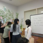 大人の日本語サロンの方たちも短冊をつけてくれました