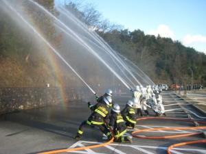最後は同時多発火災を想定しての一斉放水です。
