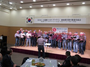 三田男性合唱団は力強い歌を披露されました