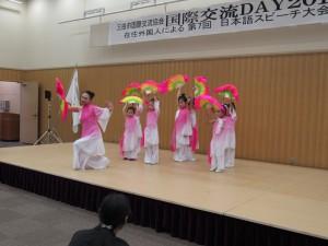 中国の子供たちの踊り