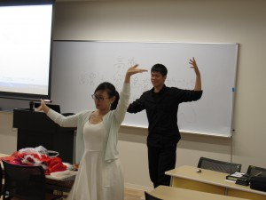 中国の踊りを一緒に