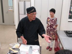 お花の和菓子を作りますよ