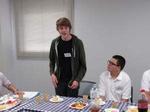 ジャクソン・ハットフィールド君 去年、高校生として来ました。 是非もう一度三田に来たくて今回、個人参加しました
