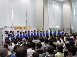 始めは三田少年少女合唱団です