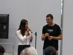 吉良さんの通訳でスペイン合唱団の始まりです