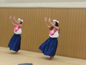 Mahaloの皆さんのフラダンス