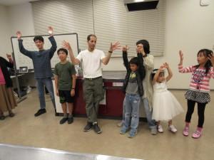 みんなでイッツィービッツィースパイダーを踊りました